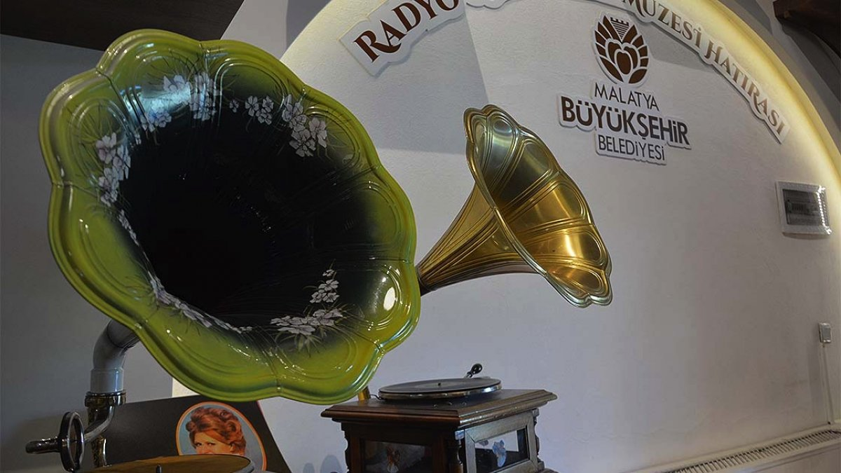 Malatya da radyo ve gramofonun tarihi müzede toplandı #2