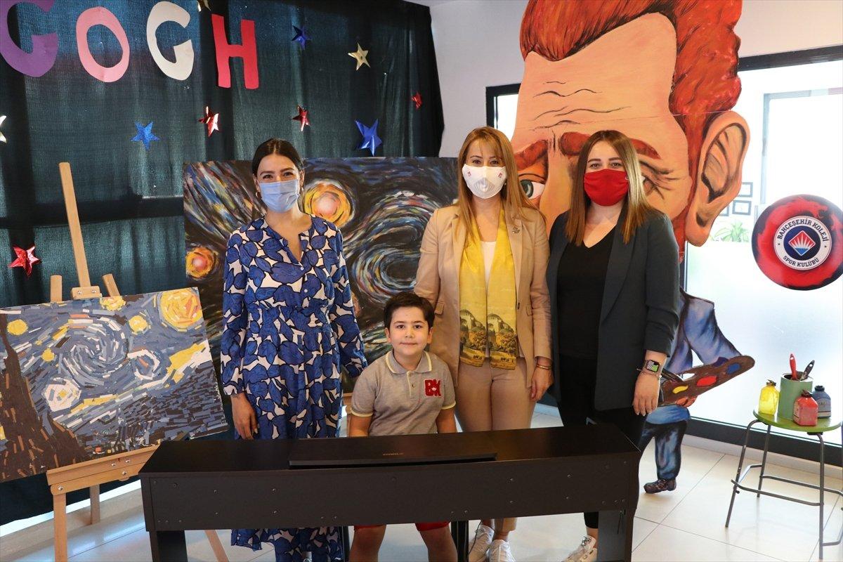 TEKNOFEST te Cumhurbaşkanı Erdoğan a piyano çalınca, Külliye ye davet edildi #2