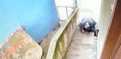 Kamera kayıtlarını izleyen vatandaş, gelen geçenin merdivenlere tuvaletini yaptığını görünce şoka girdi